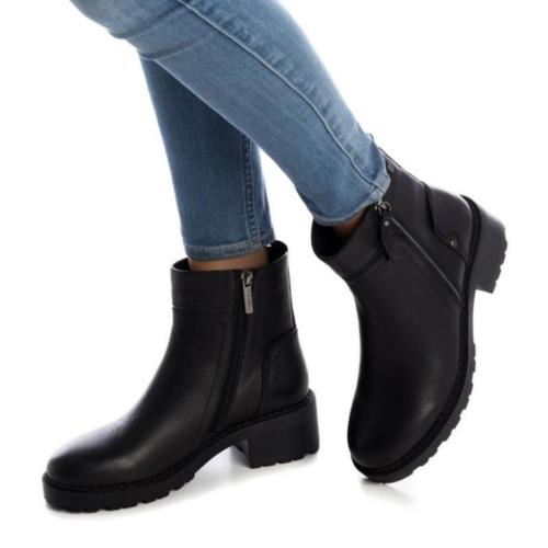 Botín de Mujer Piel Negra Carmela Shoes 06790501 modelo