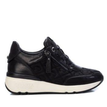 Zapatillas con Cuña de Mujer Carmela Shoes 06800001 Negras perfil