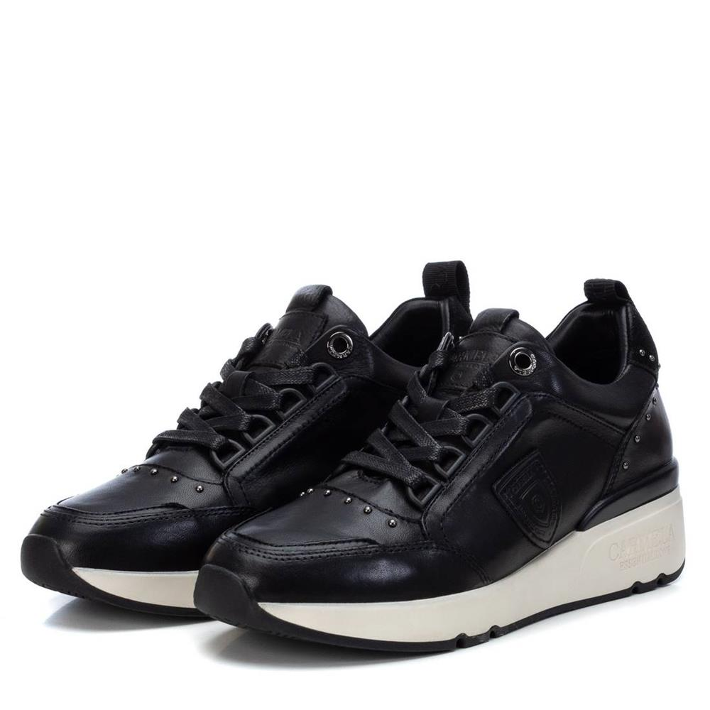Zapatillas con Cuña de Mujer Carmela Shoes 06803901 Negras par