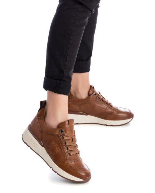 Zapatillas con Cuña de Mujer Carmela Shoes 06803902 Camel modelo