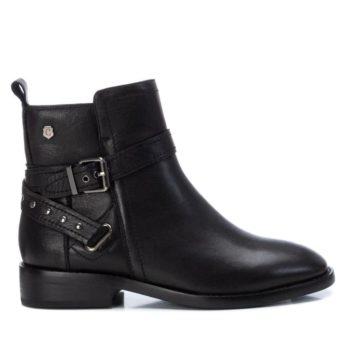 Botín Plano Negro Carmela Shoes 06797301 perfil